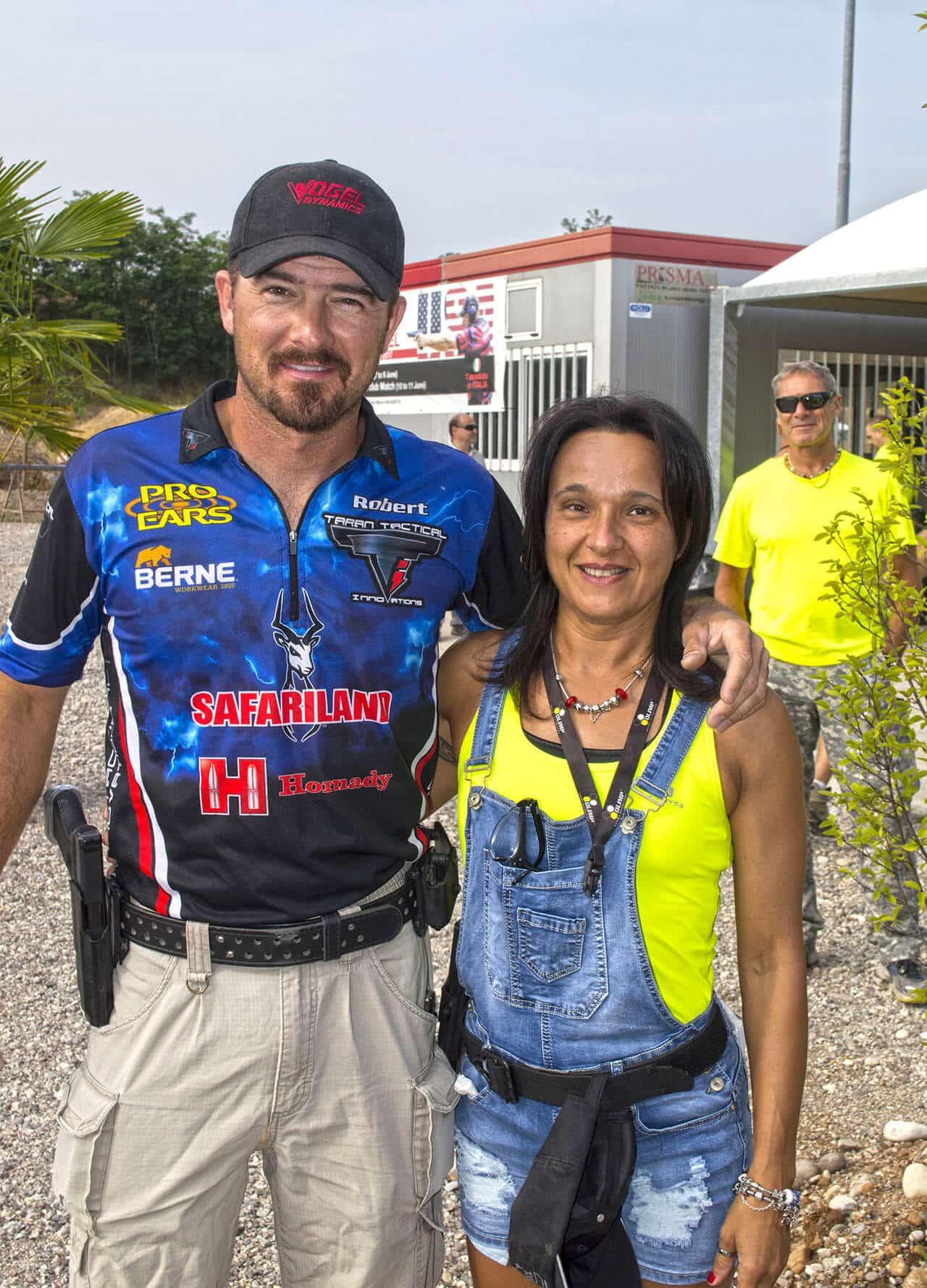 Arena Shooters Bob Vogel con Simonetta