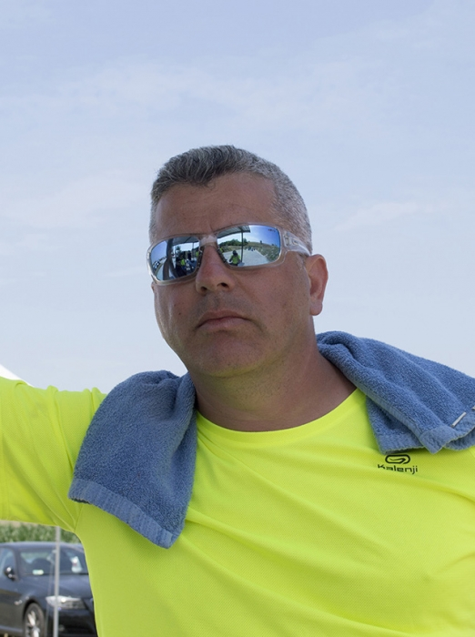 Super Manuel · Gara con Robert G. Vogel